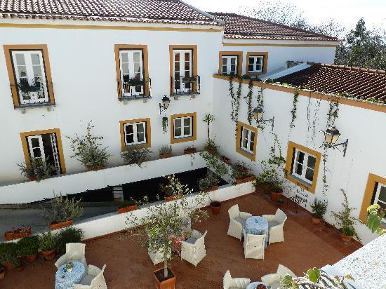 Albergaria do Calvario: vista del patio del hotel