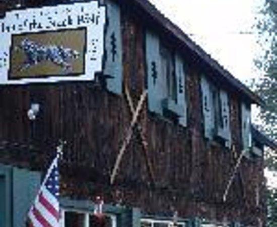 The Twin Lakes Inn: Twin Lakes Bed & Bistro Thumbnail