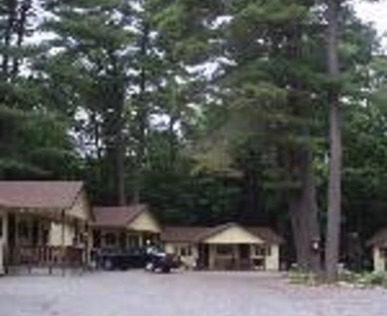 Lee's Motel and Cottages Thumbnail