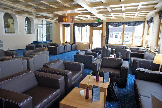 Waldhotel National: lounge area