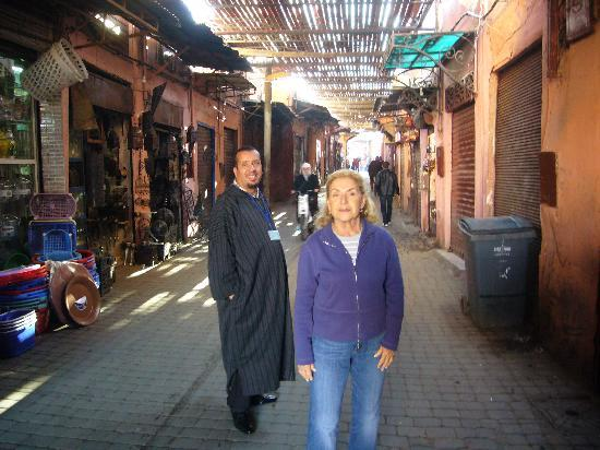 Riad Safa: our wonderful private tour guide in the Medina