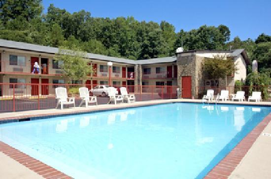 BEST WESTERN Hillside Inn: Pool
