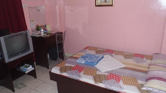 Allsons Inn: room
