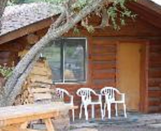 North Yellowstone Guest Cabins: North Yellowstone B&B and Guest Cabins Thumbnail