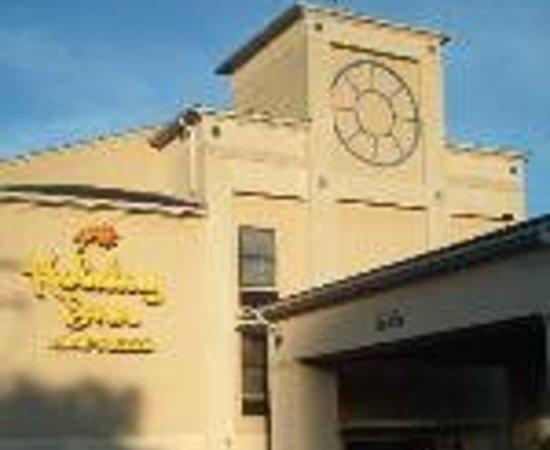Baymont Inn & Suites Lexington: Holiday Inn Express Lexington-East Thumbnail