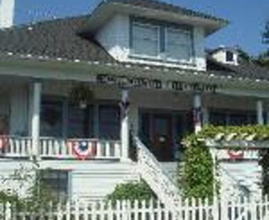 Nob Hill Riverview Bed & Breakfast Thumbnail
