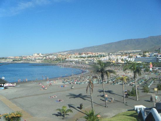 Pueblo Torviscas: nearest beach