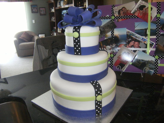 Something Sweet: Our Wedding Cake