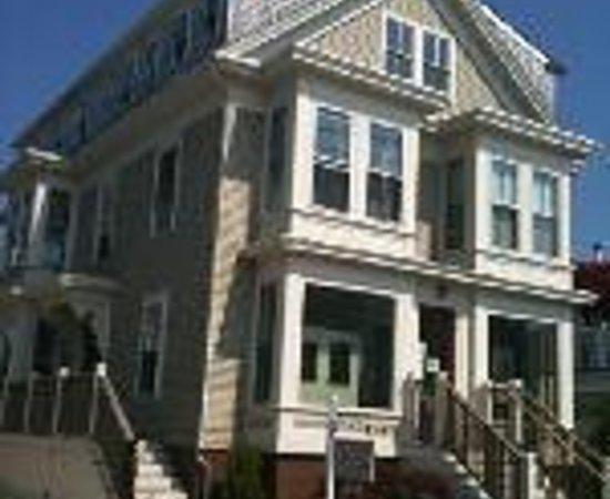 384 House Thumbnail
