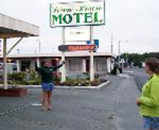 Town House Motel Thumbnail