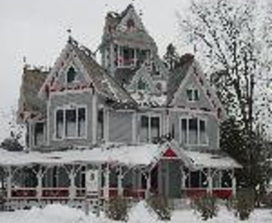 Grey Gables Mansion Picture