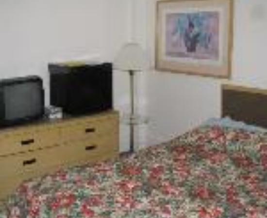 Vantaggio Suites - Garland: Americas Best Value Inn & Suites Union Square Thumbnail
