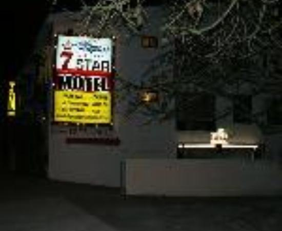 Hollywood Cityview Inn & Suites: Hollywood 7 Star Motel Thumbnail