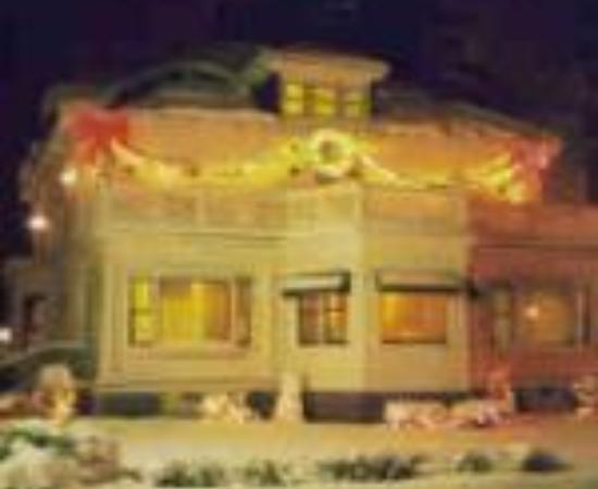 Oakwood Inn Town Motel: Oakwood Inn and Motel Thumbnail