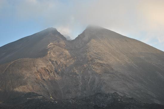Pacaya Volcano: View of the peak