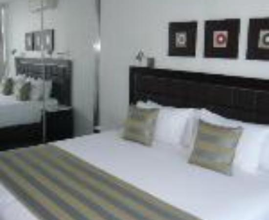 Meriton Serviced Apartments - Broadbeach: Meriton Serviced Apartments Gold Coast Thumbnail