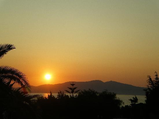 Faros Villa: faros sunset