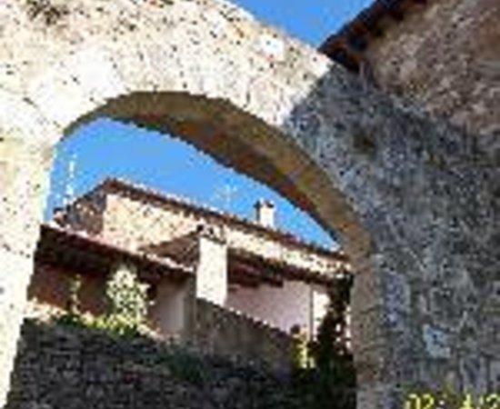 Castello di Monteliscai Thumbnail