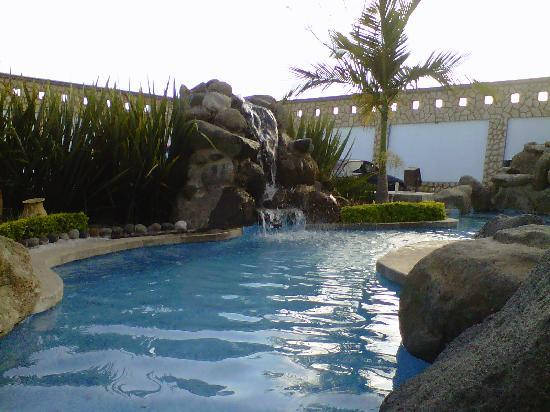 Hotel Fiesta Palmar : UNA HERMOSA MINICASCADA
