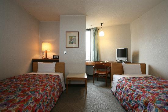 Hotel Fukuoka Kaikan: ツインルームは全て皇居の森側になります。