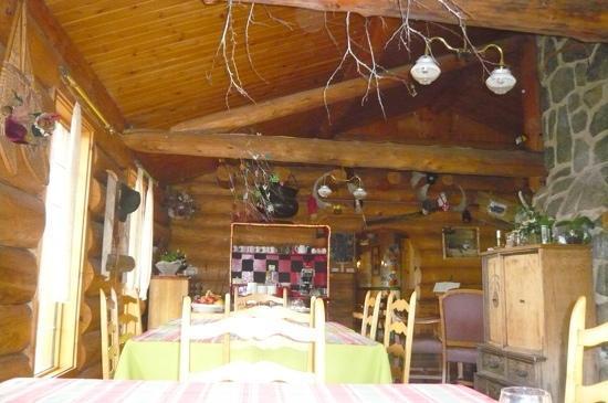 Auberge le Montagnard: la salle a manger