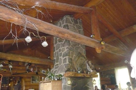 Auberge le Montagnard: la belle cheminée