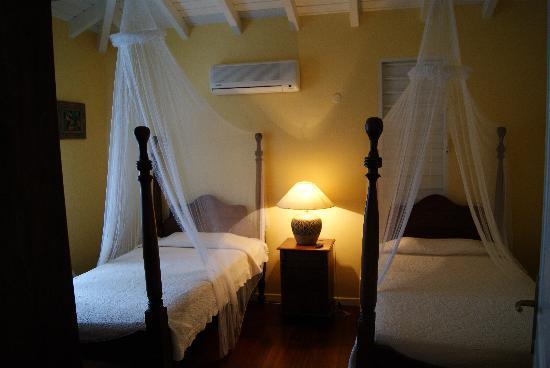 Aquarelle's Villas: Chambre lit double