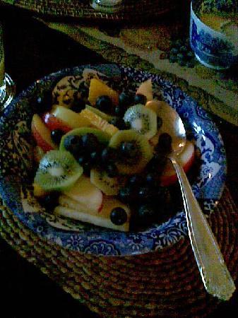 Church Gates: fresch fruit at the breakfast