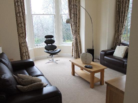 The Chateau & Wye House Suites: The living room
