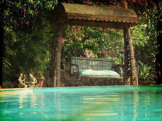 Casa Susegad: pool side