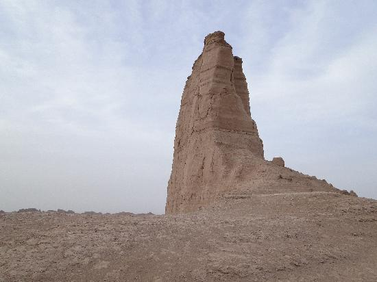 Kerman, Ιράν: One of the sandtowers in the Kaluts