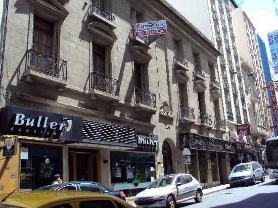 Waldorf Hotel: Buller's beside Waldorf