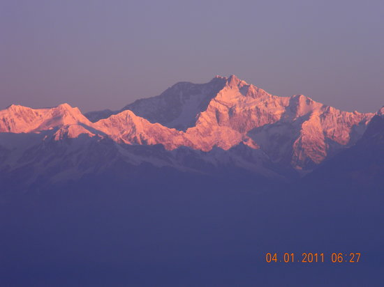 Kosi Zone, เนปาล: Mt Kanchenjunga Just 3 minutes after Sunrise
