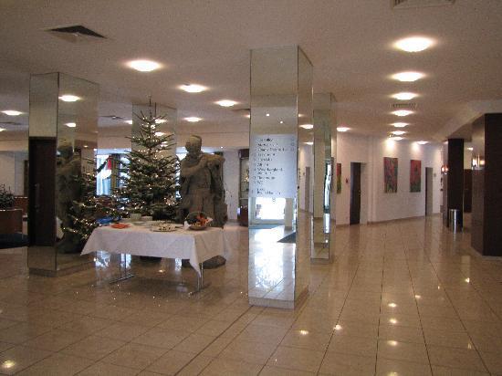 Mercure Hotel Hameln: Hotel Lobby