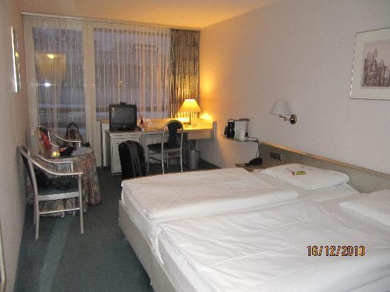 Mercure Hotel Hameln: Our room