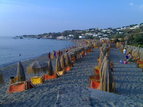 Hotel Punta del Sole: spiaggia di citara-Giardini Poseidon 1 km dall'hotel