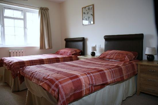Briquet Cottages: Twin Bedroom