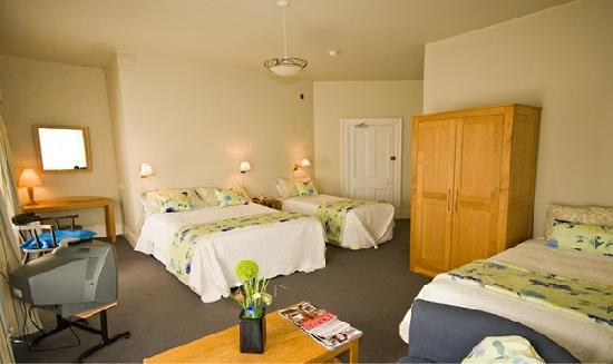 Byrnes Restaurant and Accommodation: Bedroom