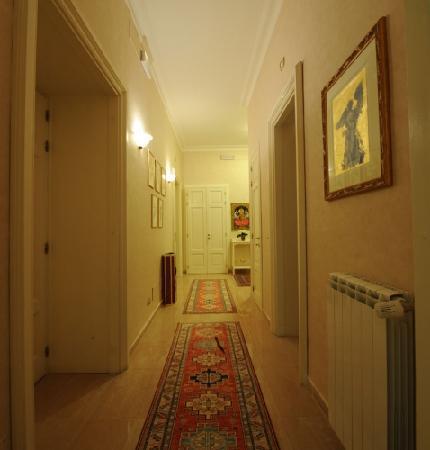 Roman Terrace: Entrance2