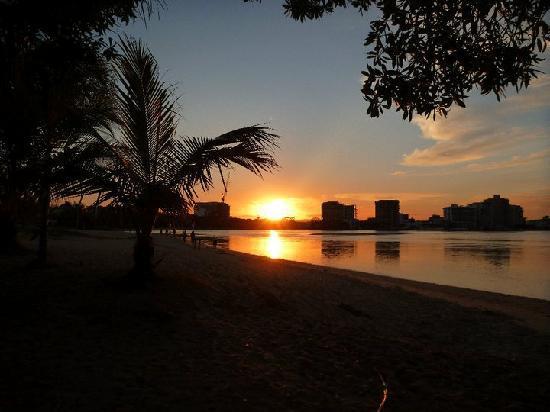 Cottontree Backpackers: sunset - a min walk away ...