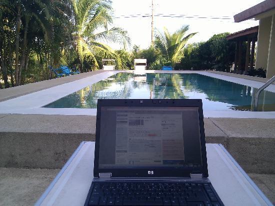 كازا دي كامبو بيداسي: Wifi by the pool