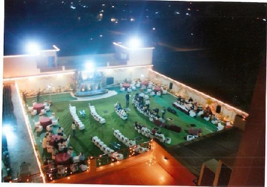 Sun Park Resort: Open Lawn