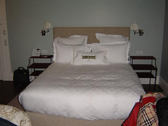 Vidago, Portugal: The bed (room 104).