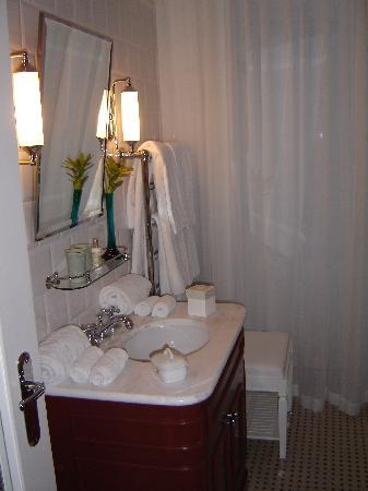 Vidago Palace Hotel : The Bathroom.