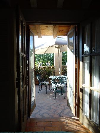 Casa Calderoni Bed and Breakfast: View from the inside of the room