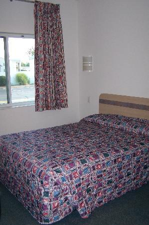 Motel 6 Springfield: Bed