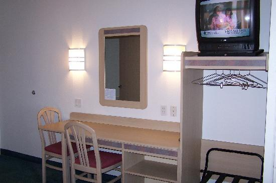 Motel 6 Springfield: Sitting area