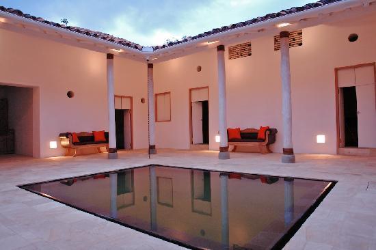 Foto de casa oniri hotel boutique barichara patio for Casas con patio interior