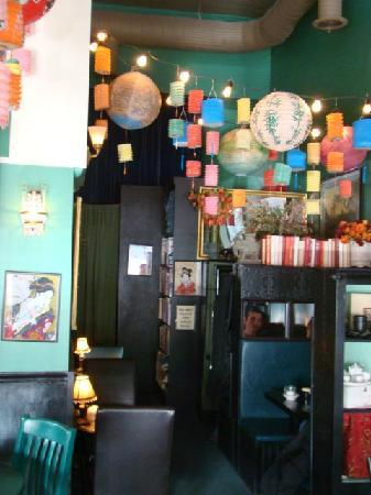 Beehive Tea Room and Wedding Library: inside, it's this beautiful everywhere