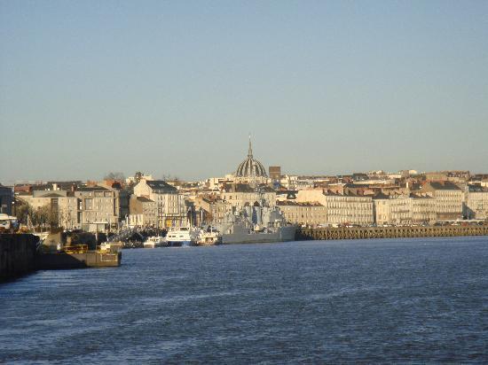 Nantes, França: Traversée en bâteau